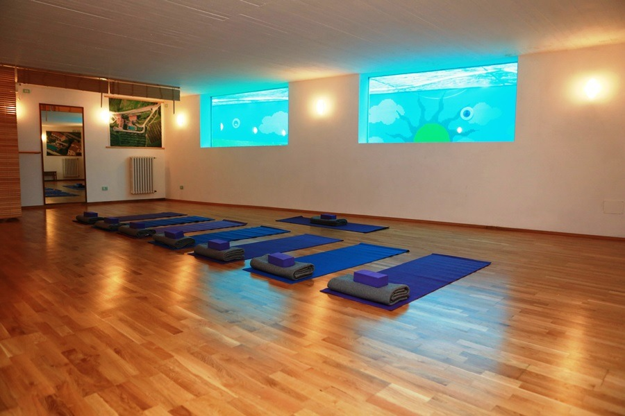 Yoga-Room-900-x-600
